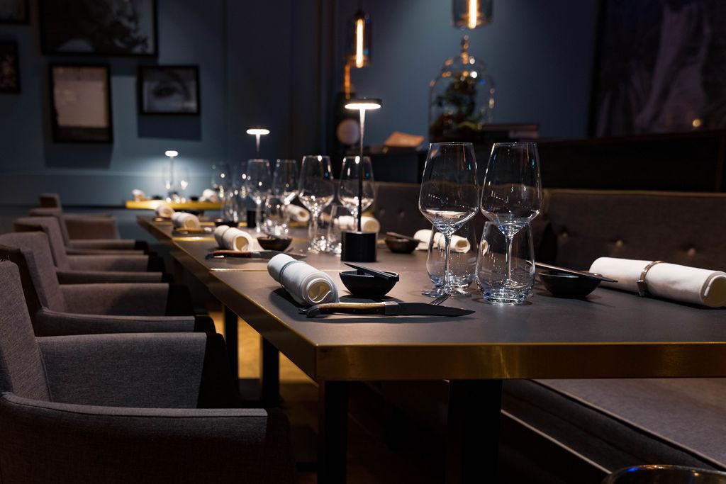 Hochwertige Steaks und kailfornische Sushi-Kreationen - L1170568